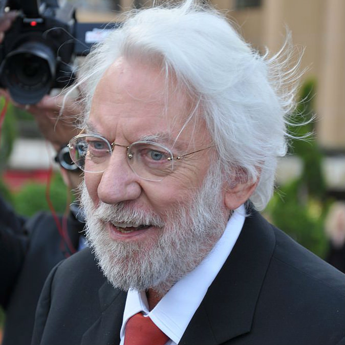 Donald Sutherland urges Canadian voters to kick Harper out, endorses Mulcair